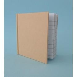 Caderno Kraft pautado quadrado